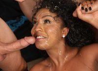 Orgia com rainha negra de seios grandes